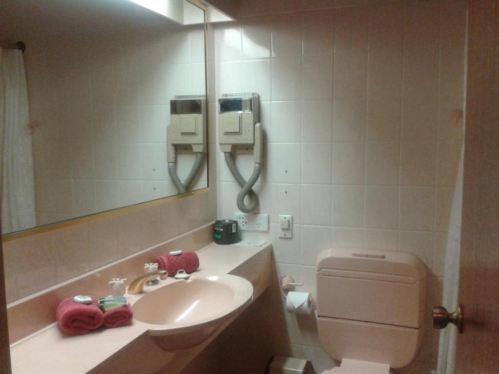 family-room-with-spa-bath-bathroom